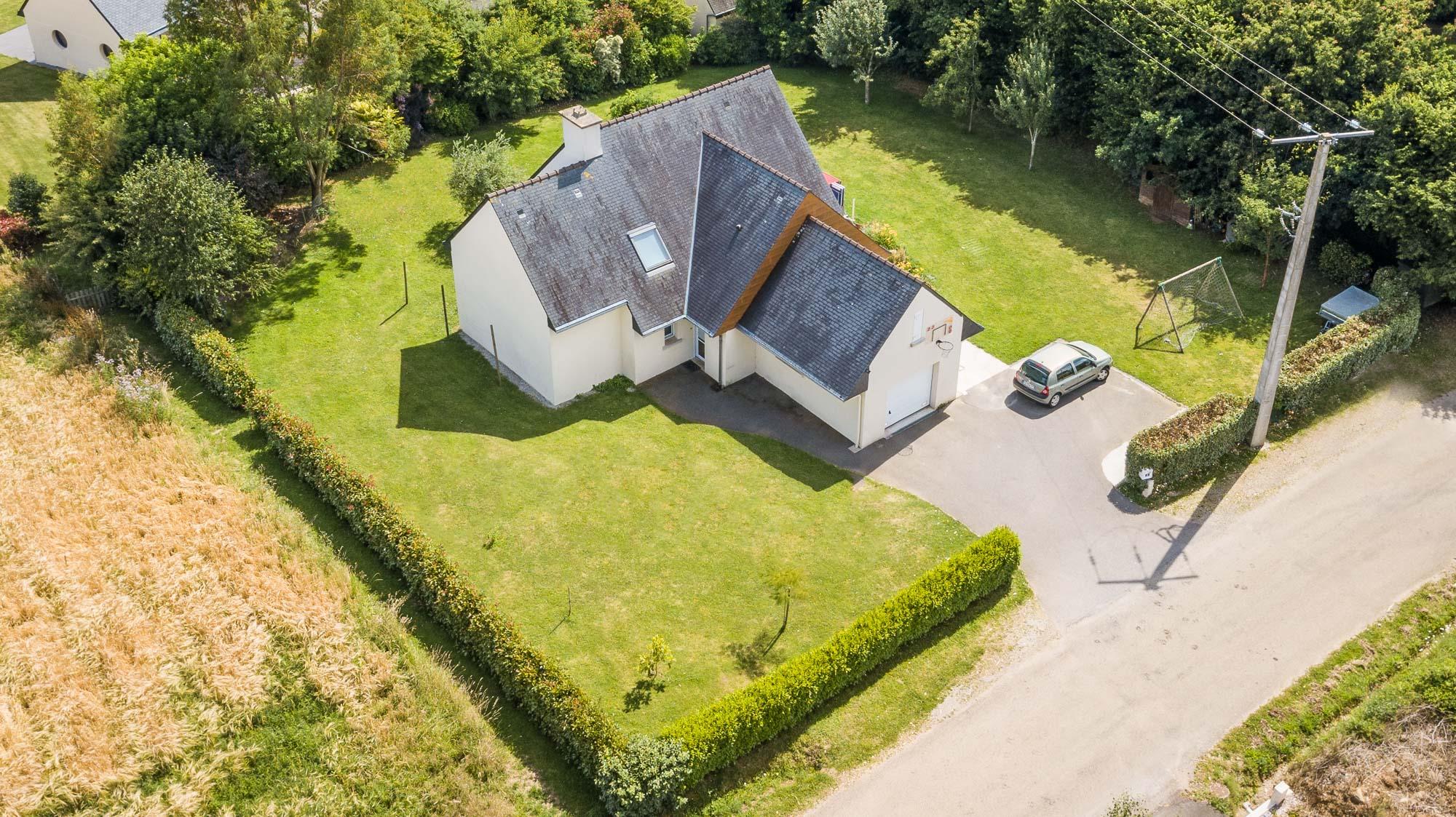 Photographie aérienne prise par drone pour une agence immobilière à Brest, Finistère, Bretagne